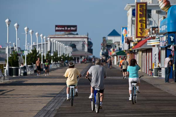 BikingRollerblading-seniors-on-boardwalk