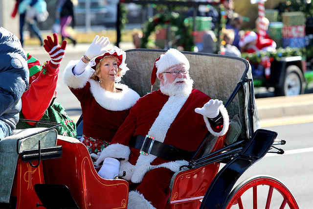 Santa & Mrs Waving.jpg